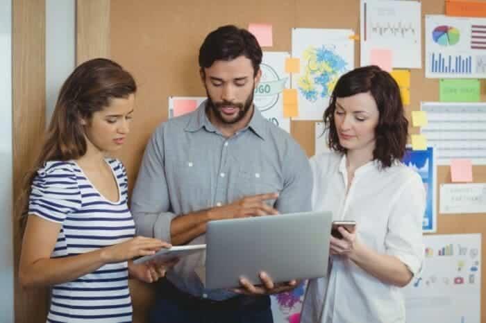 Equipo estrategia agencia publicidad digital amd