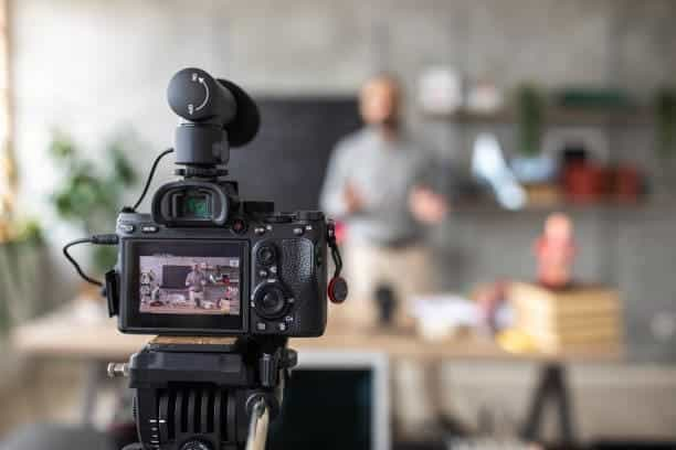 Roles en todas la etapas de la producción audiovisual
